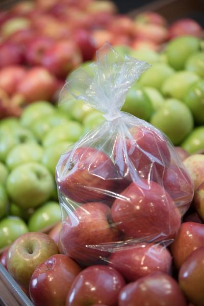 Appels in plastic zak gesloten door Kwik Lok
