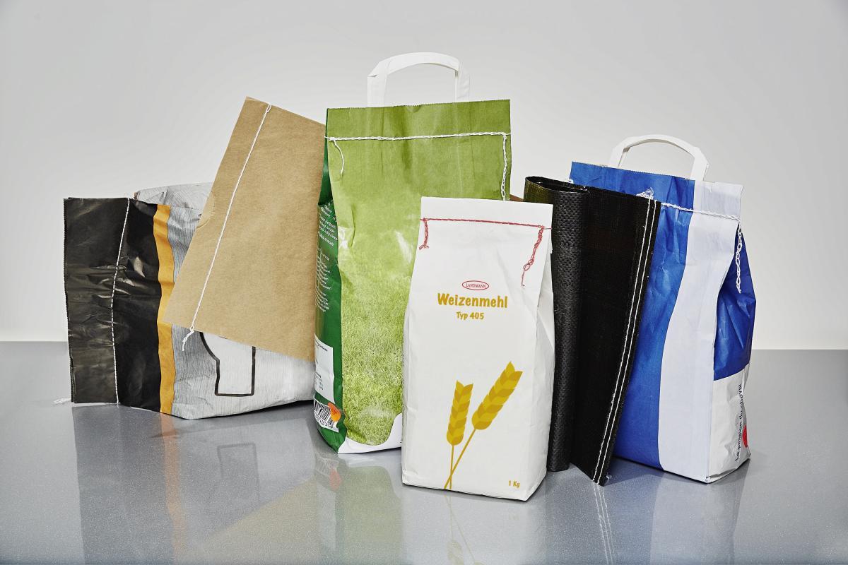 Verpakkingen gesloten met naaigaren
