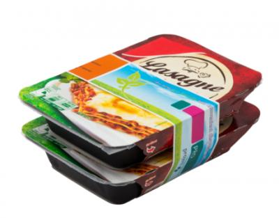 Banderol rondom meerdere bakjes lasagne